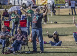 picnic praise event