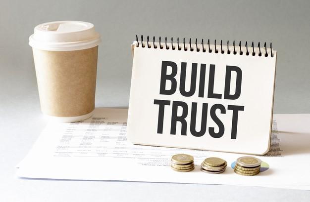 Build trust sign in the notepad Premium Photo